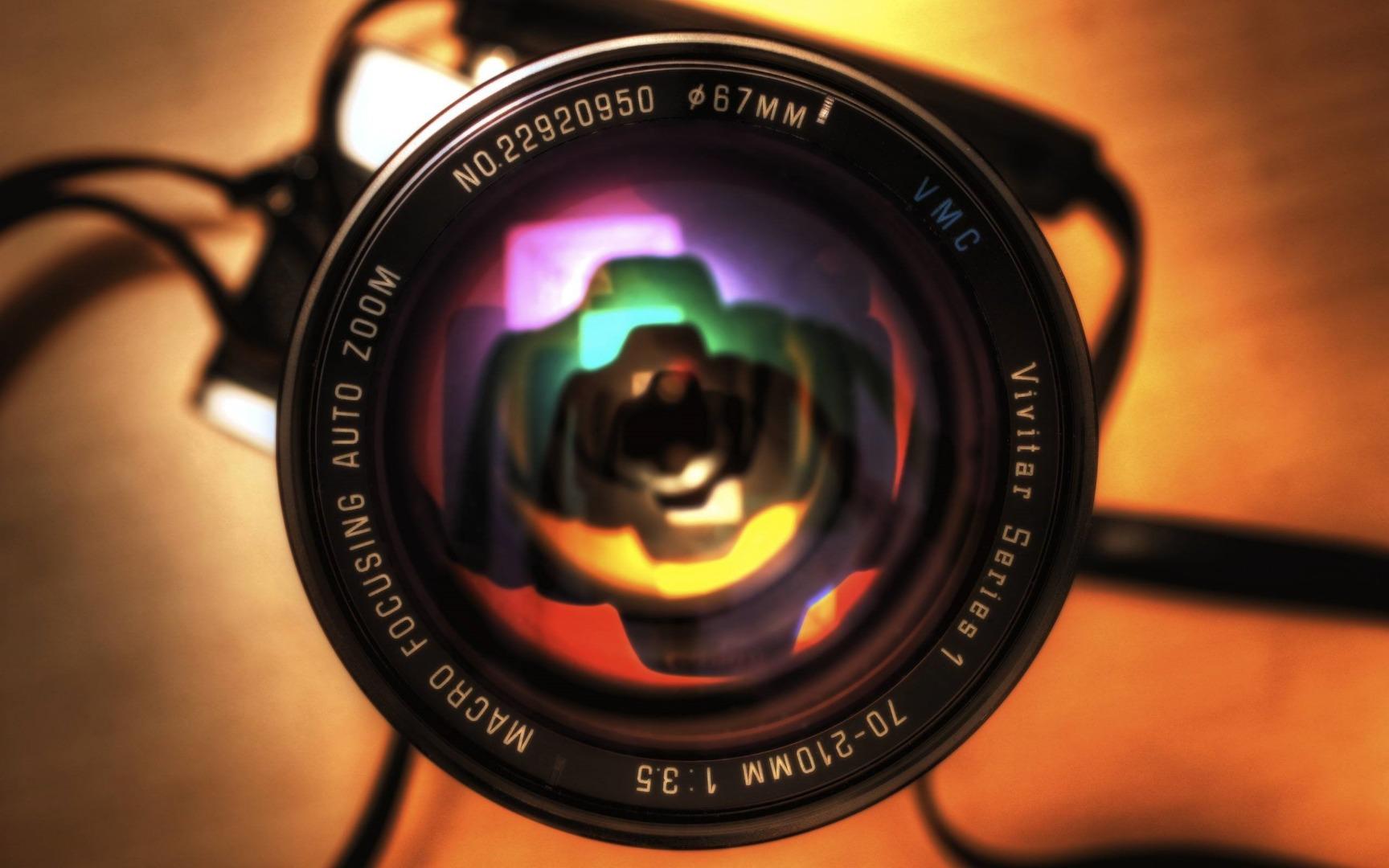اهمیت استفاده از دوربین مناسب در تولید محتوای ولاگ