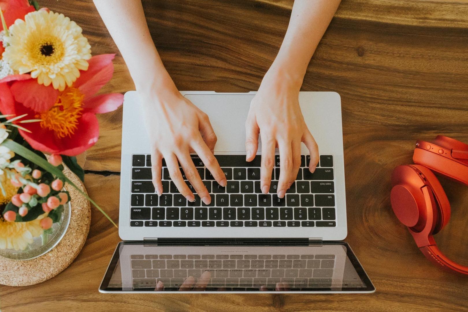خبرنامه را به منظور برقراری ارتباط بنویسید